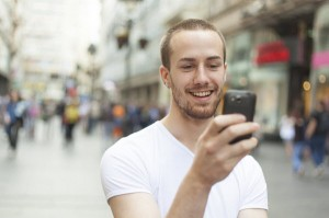 guy-on-smartphone-email